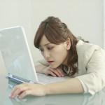 仕事の残業続きで辛い..睡眠不足が仕事に与える影響とは!?〜ストレス考察〜