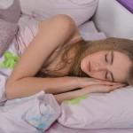 寝苦しい夏の夜、寝るときにクーラーつけっぱなしはNG?OK?