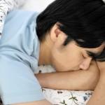 【不眠に悩む男性へ】睡眠の質に影響を与えるパジャマのNG集