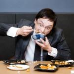 やけ食いをやめる方法5つ|仕事のストレスでやけ食いがやめれない方へ