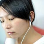 音楽を聴くとリラックスできる3つの理由|音楽がストレス解消になるのはなぜ?